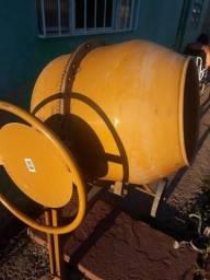 Vendo betoneira 130 litros
