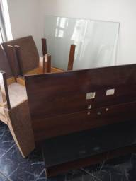 Conjunto (Rack de TV + Vidro para mesa + 4 cadeiras)