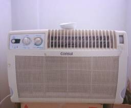 Ar condicionado Janela 7.500 BTUs - Quente e Frio - Marca Consul