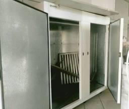Camara de Refrigeraçao sem mecânica nova.