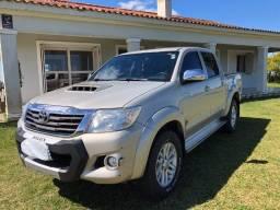 Toyota Hilux CD 4X4 SRV Turbo Diesel Top Automática com controle de tração