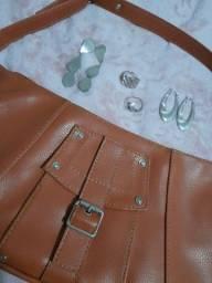 Bolsa caramelo + acessórios de prata