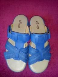 Título do anúncio: Vendo sandália condi semi-nova