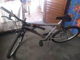 Título do anúncio: Bicicleta aro 26 super conservada