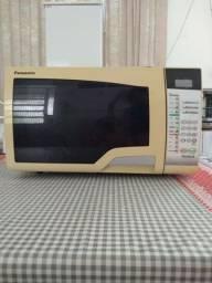 Título do anúncio: Micro ondas Panasonic 200