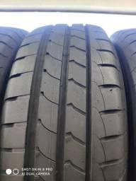 Um kit de quatro pneus 195/60-16 Goodyear sem concertos ou vulcanização