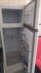 Título do anúncio: Geladeira geladeira geladeira geladeira nova