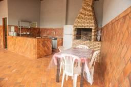 Título do anúncio: Alugo casa grande sem mobília com edícula e  área gourmet .