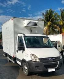 Iveco daily 35s14 refrigerada - 2017