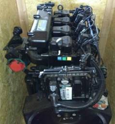 Motor MWM x12 eletrônico 4 cilindros semi novo