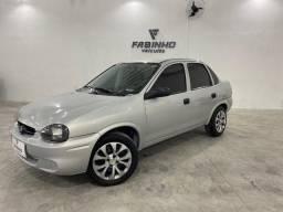 Título do anúncio: Lindo Chevrolet Corsa Sedan 1.0 - 2003 com direção hidráulica