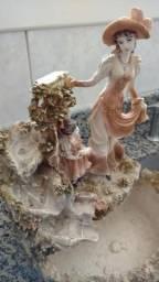Fonte em Cascata Relaxante - A Dama e a Menina (Leia a Descrição)