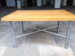 Mesa de Centro com lamina de Marfim