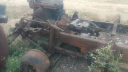 Vendo chassi de 1113 parcialmente queimado e com capa e fecho de mola caixa de macha - 1987