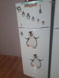 !!!vendo geladeira!!!! pra hj