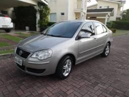 Polo Sedan em perfeito estado, completo, único dono, cor prata, perfeito - 2011