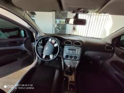 Ford Focus Hatch - 2012