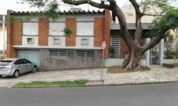 Casa 3 Dorm de Alto Padrão em Tijolo à Vista