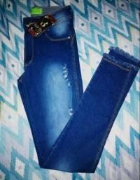 Calças jeans em promoção