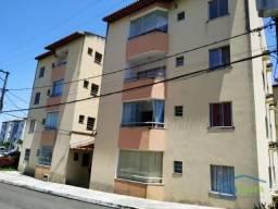 Apartamento com 2 dormitórios para alugar, 50 m² por R$ 600,00/mês - Lauro de Freitas - La