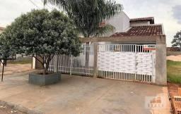 Vende-se casa com 160,00m², terreno 7,50mt x 40,00mt, bairro Portinari - Naviraí - MS