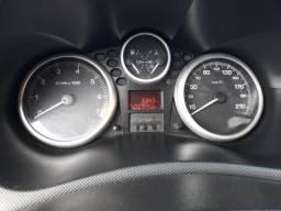 Vendo Peugeot 207 ano 2011 valor R$ 12.000,00 leia a descrição: - 2011