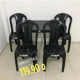 Jogo de mesa e cadeira de plastico