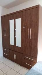 Guarda- roupa 6 portas com espelho semi novo.