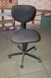 Título do anúncio: Cadeira c/ Rodas (LER OBSERVAÇÕES) em Tecido / Ferro Preto 80 cm x 40 cm x 40 cm