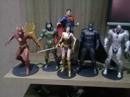 Conjunto colecionável completo Liga da Justiça