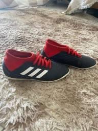 Título do anúncio: Chuteira Adidas número 36 futsal