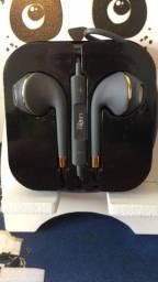 Fone de ouvido com fio e microfone - GTS