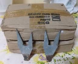 Grampo galvanizado para muro - 2kg.