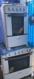 Título do anúncio: Vende-se uma geladeira e dois fogões por apenasR$320,00