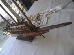 Caravela em Madeira Artesanal Antiga