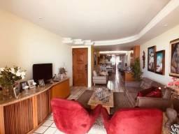 Apartamento Beira-mar 4 quartos, 2 suítes e 3 vagas, super conservado