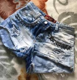 Shorts a venda