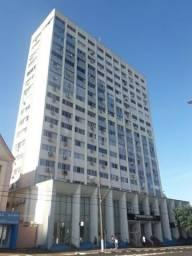 Apartamento duplex no Ed. Banestado - Centro