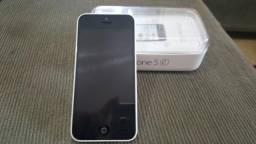 Iphone 5c usada + fio carregador original + película de vidro