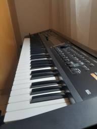 Teclado Roland Gw8
