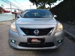 Título do anúncio: Nissan Versa 16s flex completo ano:2013