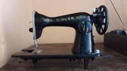 Maquina de Costura Antiga Singer Pouco Uso