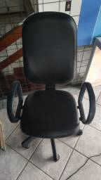 Vendo cadeira de escritório preta Couro Reclinável