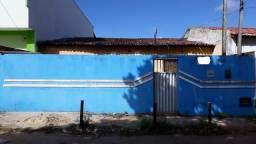 VENDO casa na AV. CAPITÃO MOR GOUVEIA