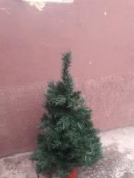 Árvore de Natal sem bolas 1m $50