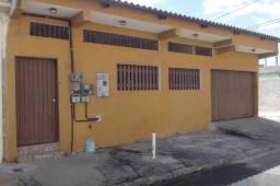Alugo Ótima Casa dois quartos em Feu Rosa Próximo a Manguinhos
