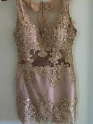 Vestido de Renda cor dourado