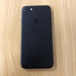 Vendo iPhone 7 único dono ( 1 ano de uso)