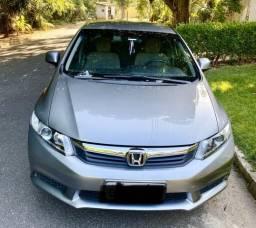 Honda Civic LXS 2012/2013. Só 64 mil km - 2012