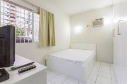 Apartamento 01 B, mobiliado, bairro de Boa Viagem, localização excelente perto da praia